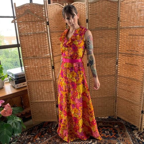 sheath flowers summer Womens vintage sleeveless dress peach 1960s flowers retro romantic